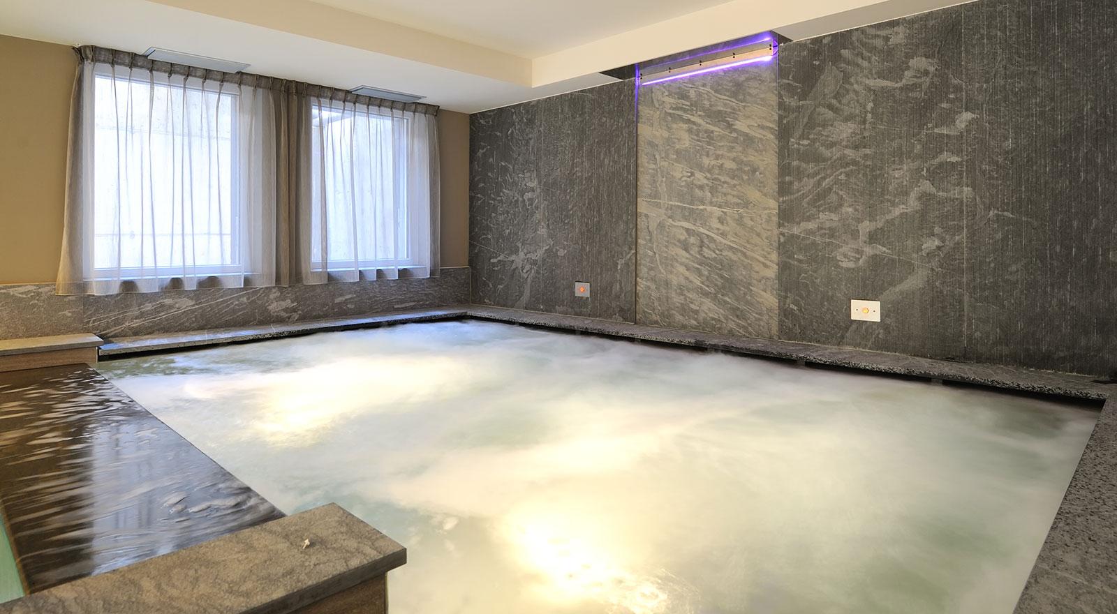 Albergo con piscina coperta a madonna di campiglio hotel crozzon - Albergo con piscina in camera ...